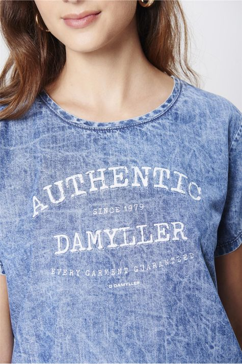 Camiseta-Jeans-Estampada-Feminina-Detalhe--