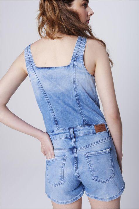Macacao-Jeans-Curto-Feminino-com-Botoes-Costas--