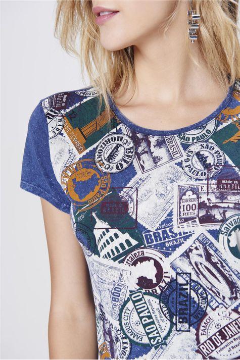 Camiseta-com-Frente-Estampada-Feminina-Detalhe--