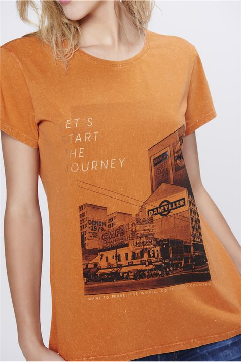 Camiseta-com-Estampa-Frontal-Feminina-Detalhe--