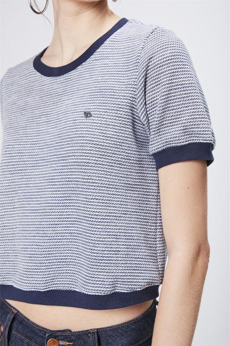 Camiseta-Cropped-College-Feminina-Detalhe--