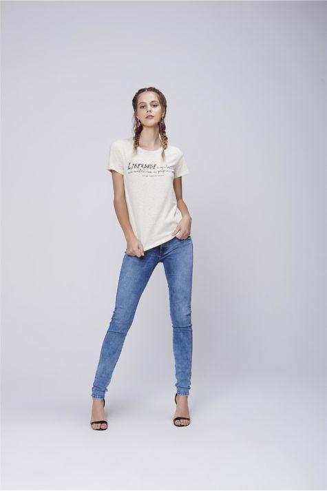 Camiseta-Feminina-Basica-Detalhe-1--