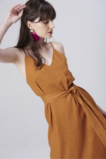 Vestido-de-Linho-com-Amarracao-Frente--