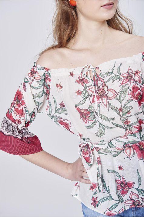 Bata-Ombro-a-Ombro-Estampa-Floral-Detalhe--