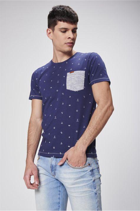 Camiseta-Estampada-com-Bolso-Masculina-Frente--