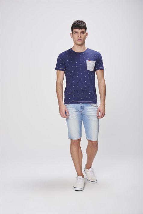 Camiseta-Estampada-com-Bolso-Masculina-Detalhe-1--