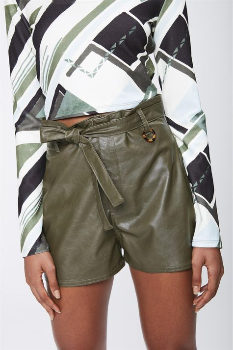 Shorts-Verde-Militar-Resinado-Detalhe--