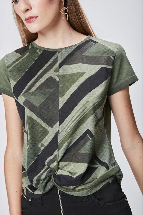 Camiseta-Estampada-com-Detalhe-Frontal-Detalhe--