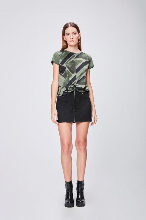 Camiseta-Estampada-com-Detalhe-Frontal-Detalhe-1--