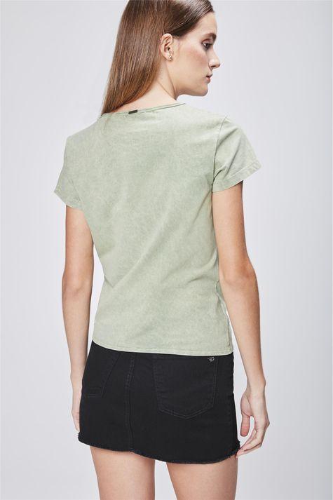 Camiseta-Tingida-com-Detalhe-em-No-Costas--