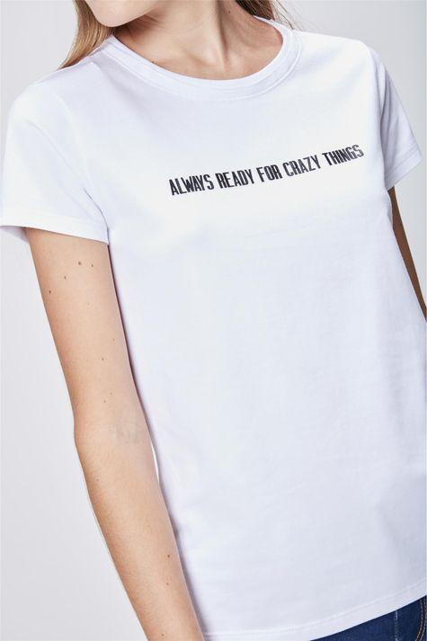 Camiseta-Feminina-com-Tipografia-Detalhe--