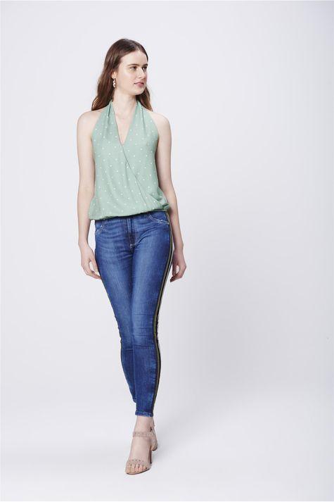 Blusa-de-Frente-Unica-Poa-Feminina-Detalhe-2--