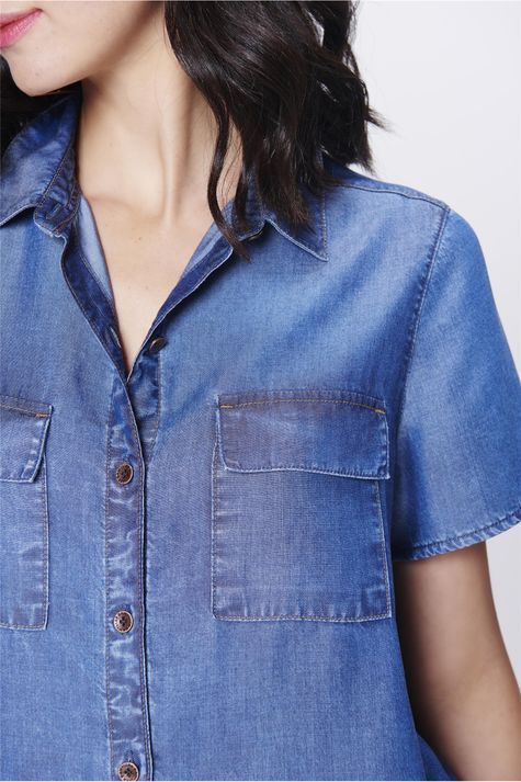 Camisa-Jeans-de-Manga-Curta-Feminina-Detalhe--