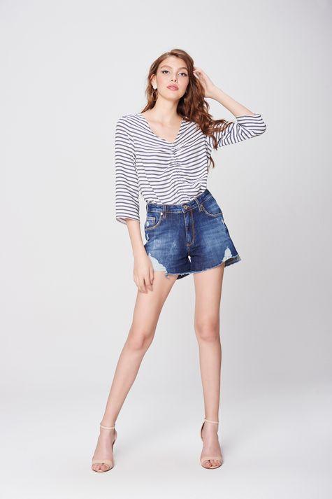 Short-Jeans-de-Cintura-Alta-Destroyed-Detalhe-2--