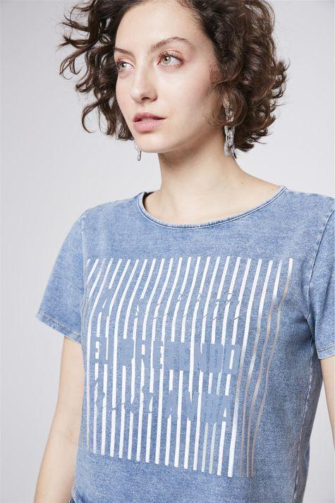 Camiseta-Jeans-com-Estampa-Metalizada-Detalhe--