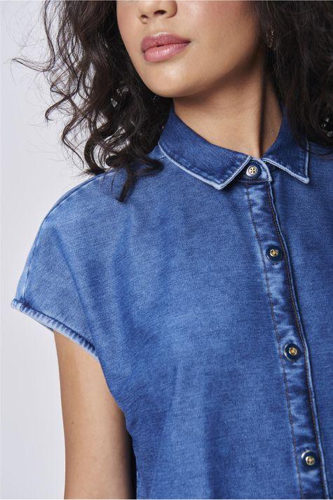 Camisa-Jeans-sem-Mangas-Feminina-Detalhe--
