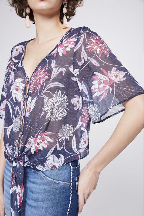 Blusa-Floral-Com-Amarracao-Feminina-Detalhe--