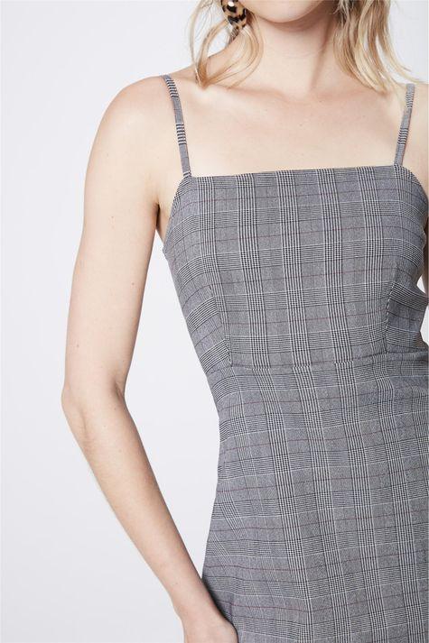 Vestido-Xadrez-de-Alca-Detalhe--