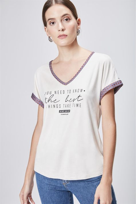 Camiseta-Feminina-Decote-V-de-Suede-Frente--