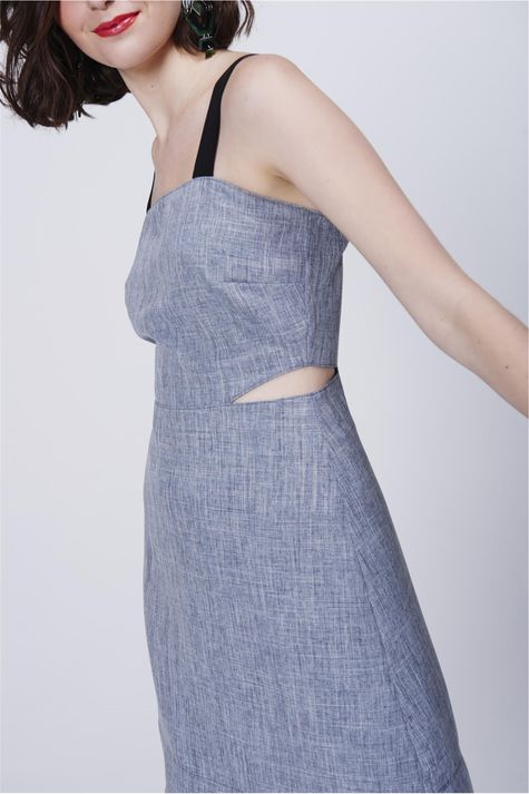 Vestido-Recortes-e-Alca-Larga-Detalhe--