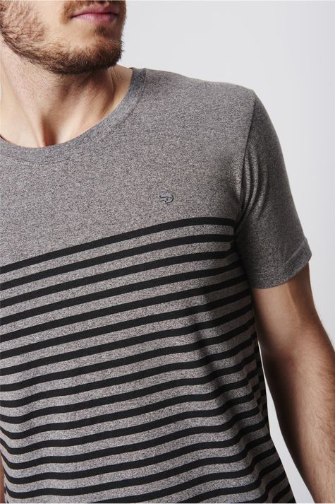 Camiseta-Listrada-Malha-Mescla-Masculina-Detalhe--