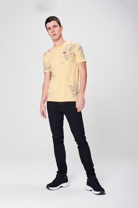 Camiseta-Listrada-com-Estampa-Floral-Detalhe-1--