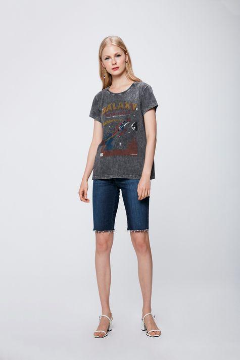Camiseta-Estonada-Feminina-Detalhe-1--