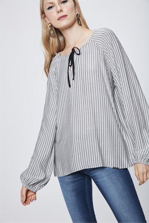 Blusa-Listrada-com-Amarracao-Feminina-Frente--