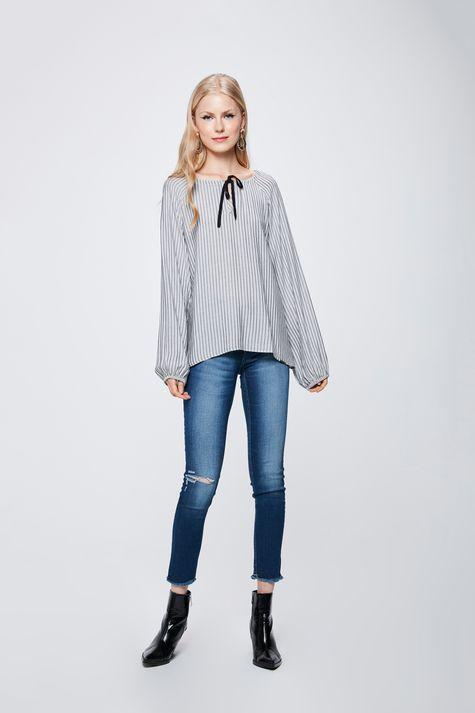 Blusa-Listrada-com-Amarracao-Feminina-Detalhe-1--