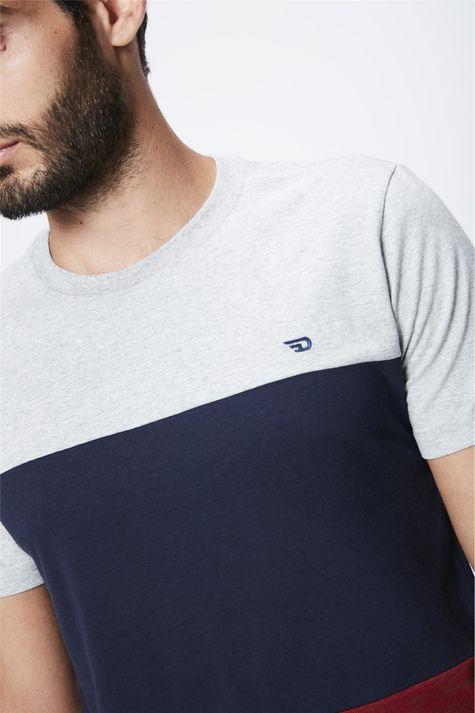 Camiseta-Colorida-Masculina-Detalhe--