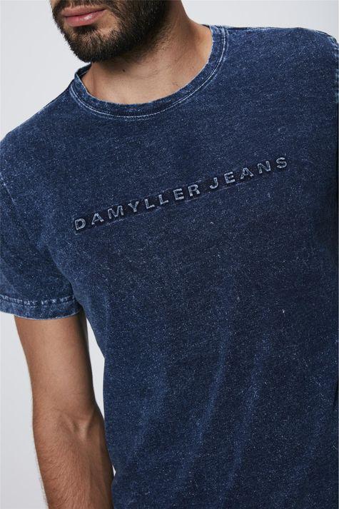 Camiseta-em-Malha-Denim-Masculina-Detalhe--