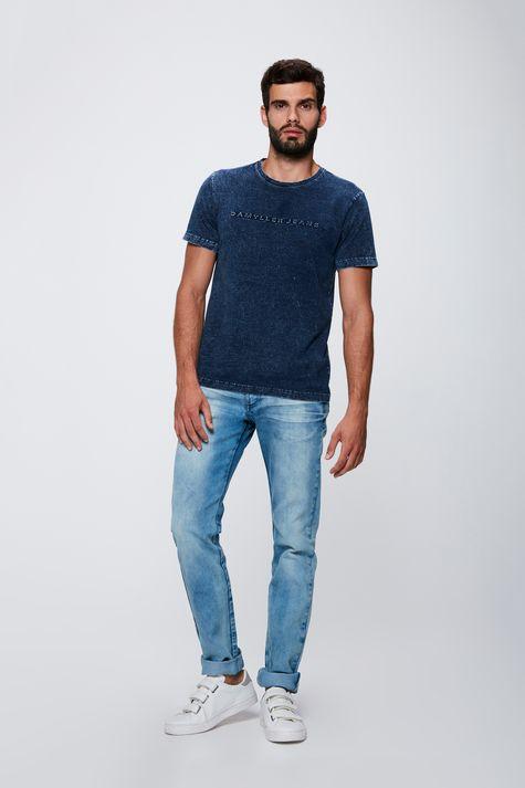 Camiseta-em-Malha-Denim-Masculina-Detalhe-1--