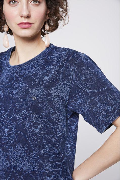 Camiseta-de-Malha-Denim-Unissex-Detalhe