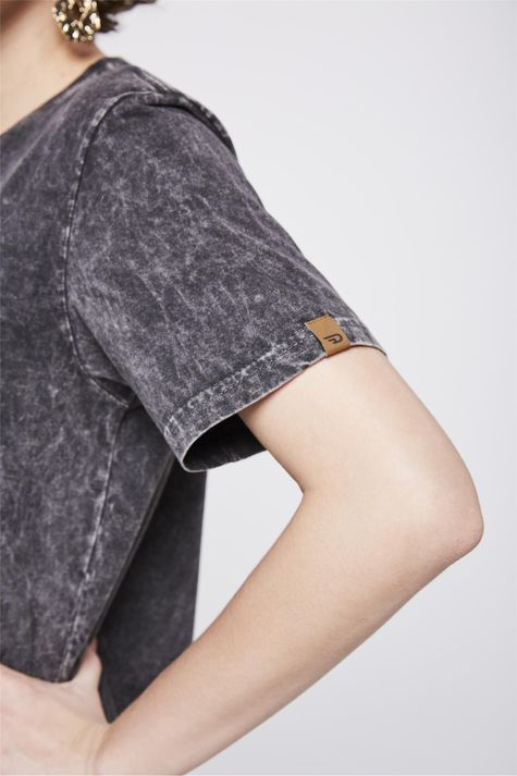 Camiseta-Fit-Tingida-Detalhe1--