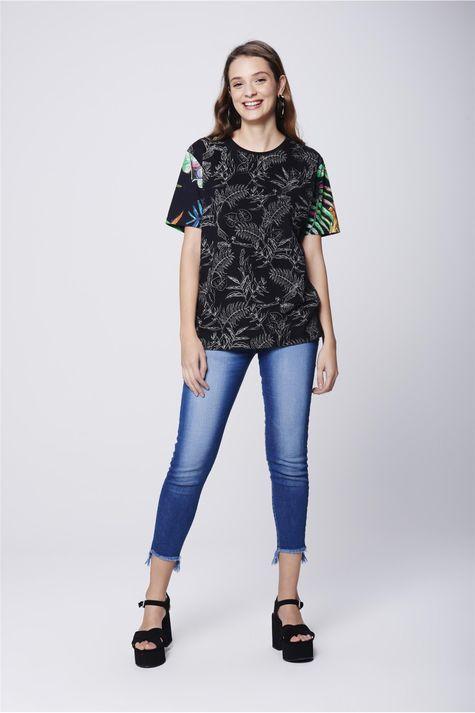 Camiseta-Fit-Estampada-Unissex-Detalhe1--