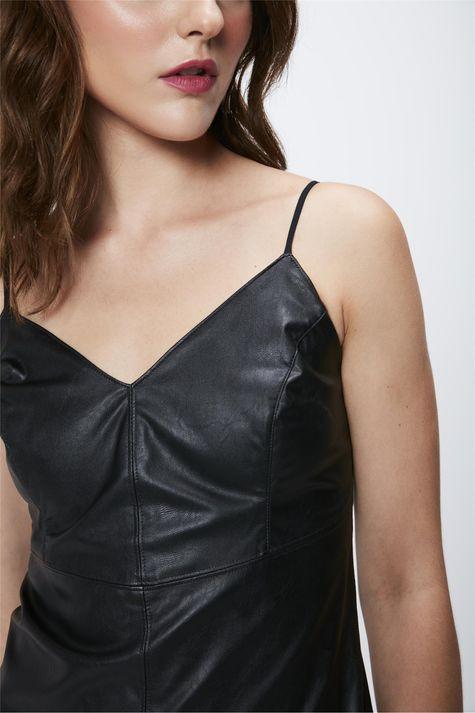 Vestido-Preto-Resinado-Frente--