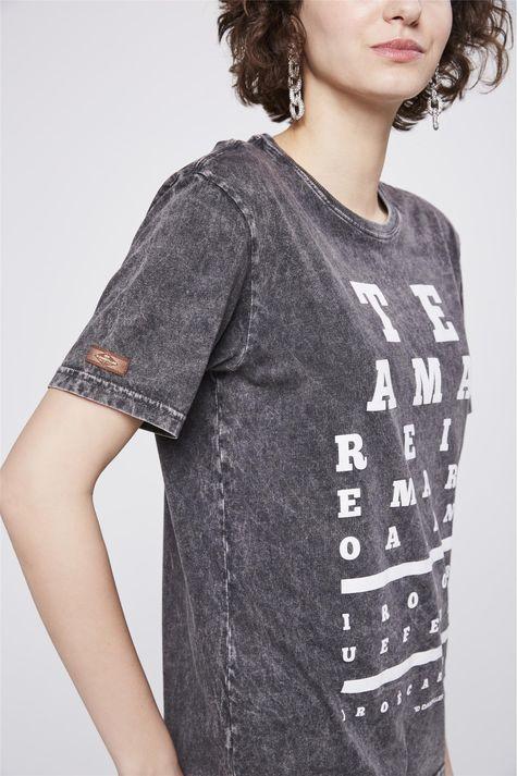 Camiseta-Tingida-Estampada-Detalhe1--