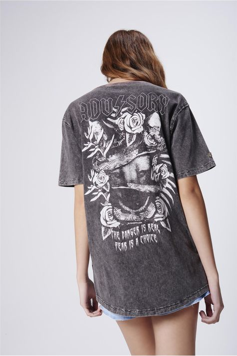 Camiseta-Tingida-com-Estampa-Unissex-Costas--