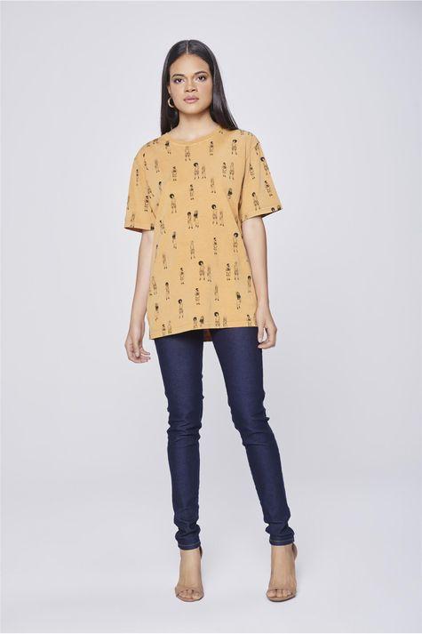 Camiseta-Unissex-Estampa-Repeticao-Detalhe1--