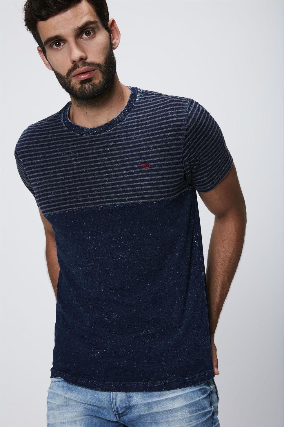 Camiseta-Masculina-em-Malha-Denim-Frente--