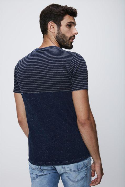 Camiseta-Masculina-em-Malha-Denim-Costas--