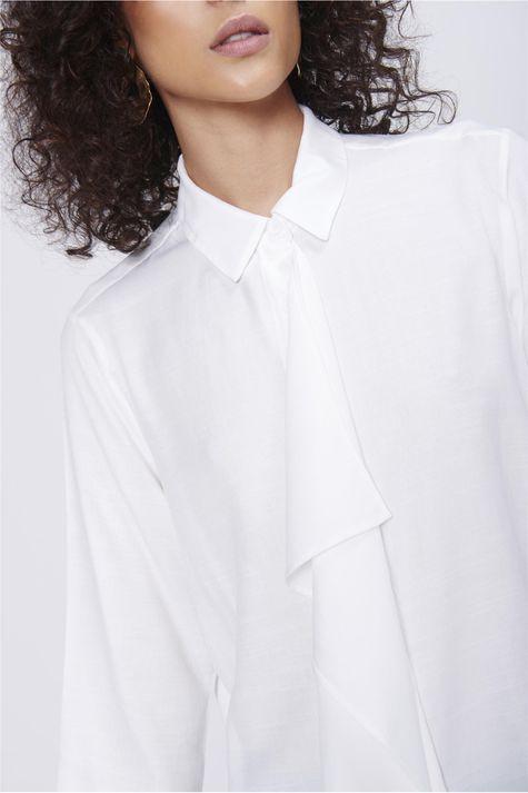 Camisa-Com-Babados-Feminina-Detalhe--