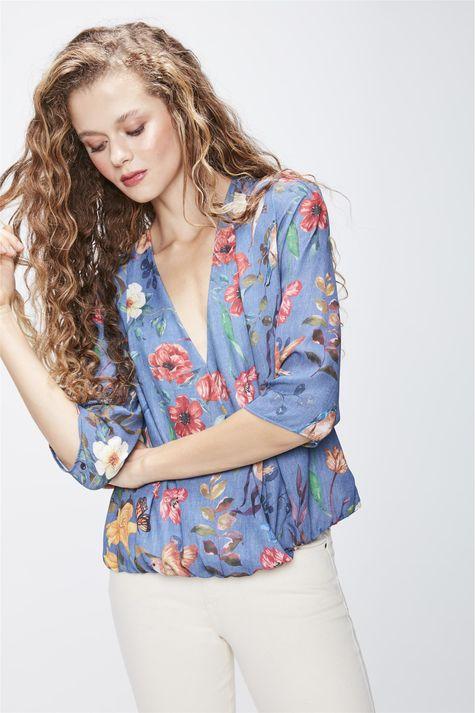 Blusa-Transpassada-Floral-Frente--