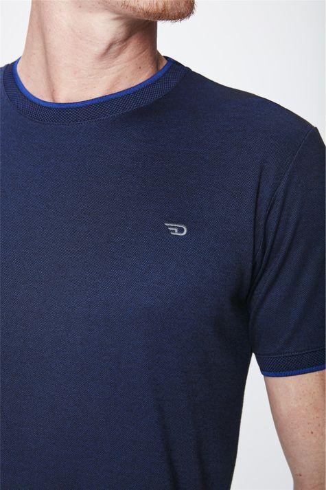 Camiseta-Masculina-College-Lisa-Detalhe--