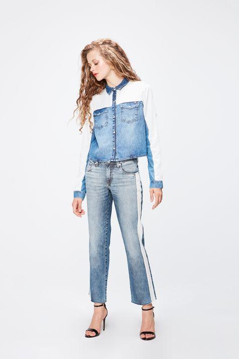 Camisa-Jeans-com-Recortes-Feminina-Detalhe-1--
