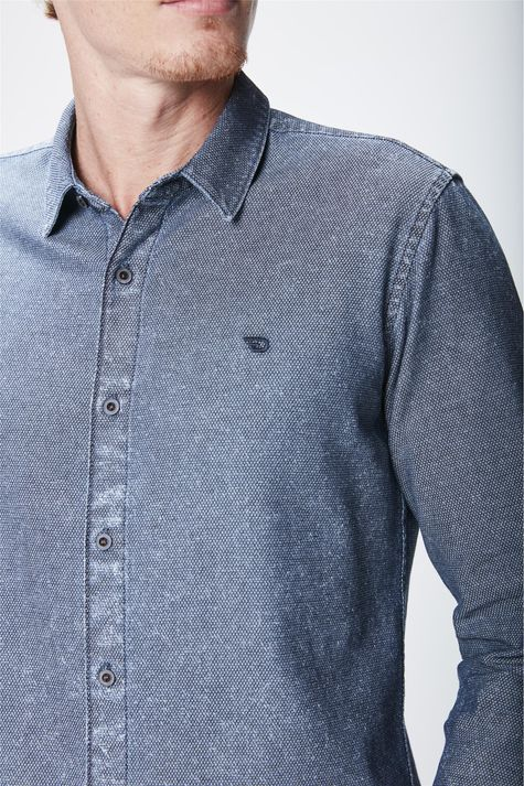 Camisa-Jeans-com-Textura-Masculina-Detalhe--