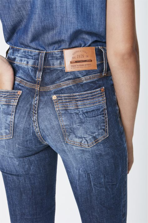 Calca-Jeans-Cigarrete-Cintura-Media-Detalhe--