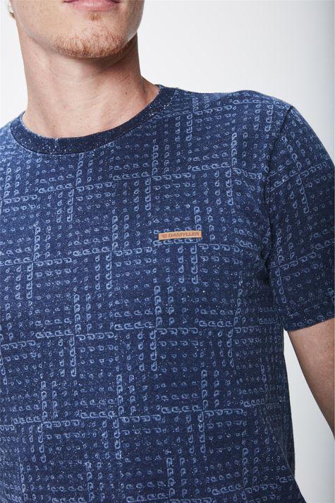 Camiseta-em-Malha-Denim-com--Repeticoes-Detalhe--