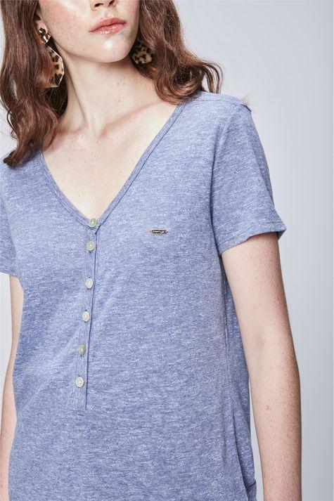 Camiseta-Feminina-com-Botoes-Detalhe--