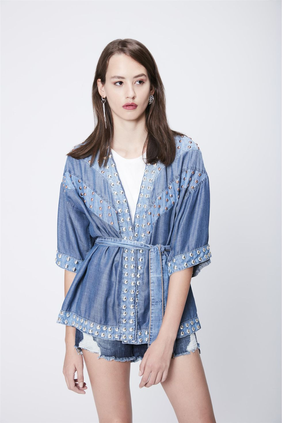 Kimono-Jeans-com-Tachas-Recollect-Frente--